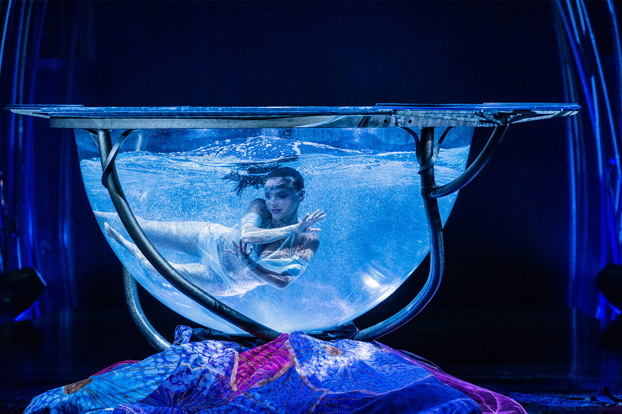 amaluna-act-water-bowl