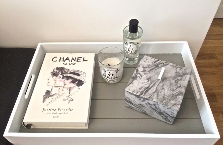 bougie diptyque cyprès figuier livre chanel boite marbre h&m home