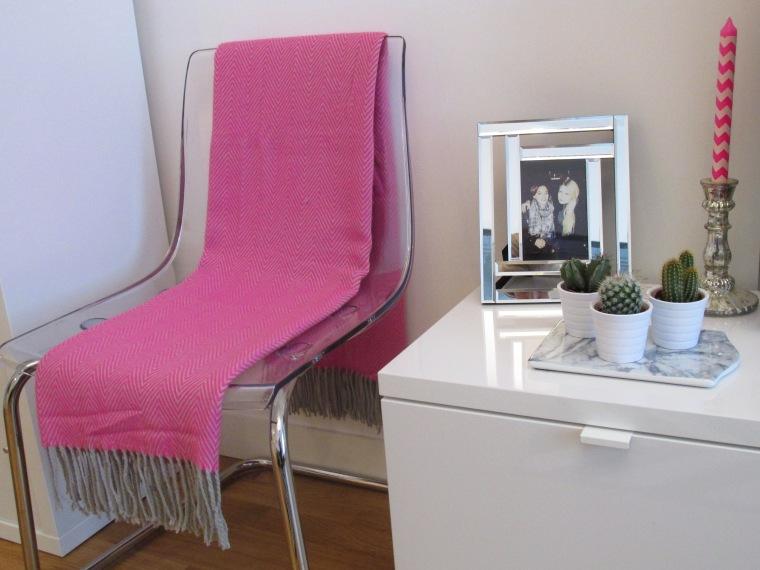 forever 21. Black Bedroom Furniture Sets. Home Design Ideas