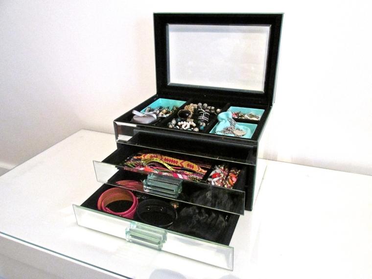 comment ranger ses bijoux paris ch ri diary. Black Bedroom Furniture Sets. Home Design Ideas