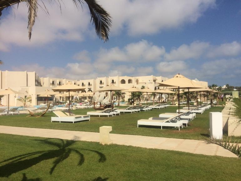 hotel sensimar palm beach palace djerba tunisie piscine