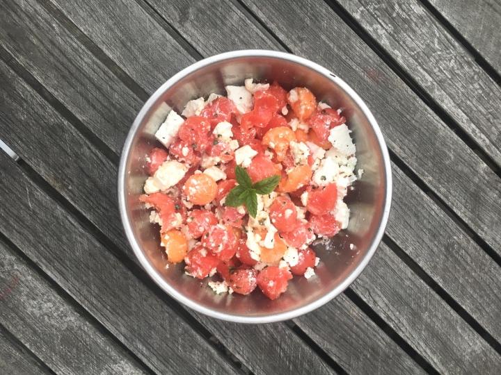 3 recettes de salades estivales avec 4 ingrédientsseulement