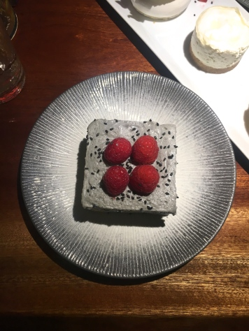 blueberry-maki-bar-paris-restaurant