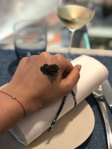 le-comptoir-du-caviar-paris